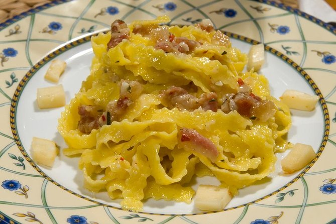 Small Group Culinary and Cooking day in Roman Countryside by train from Rome
