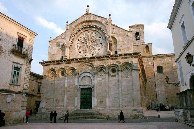 Troia walking tour: Apulian Romanesque architecture