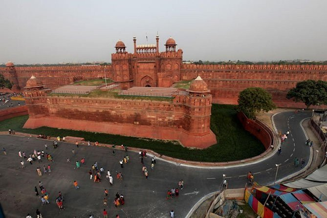 Full Day City Tour of Delhi By Air-Condition Vehicle Includes, WiFi on Board