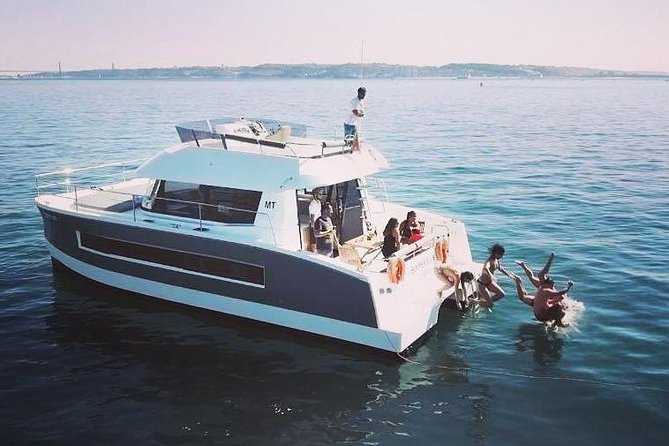 Motor catamaran up to 18 people in Lisbon photo 18