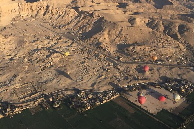 Luxury Hot Air Balloon Ridding in Luxor photo 3