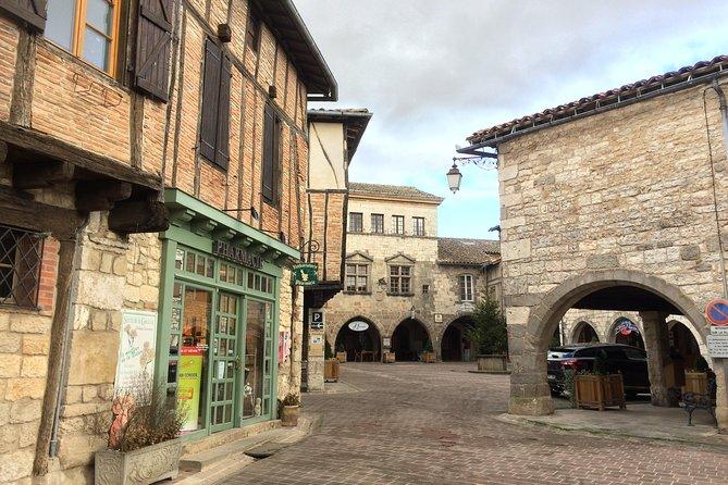 Puycelsi, Bruniquel, Castelnau, Saint Antonin Private Tour from Toulouse