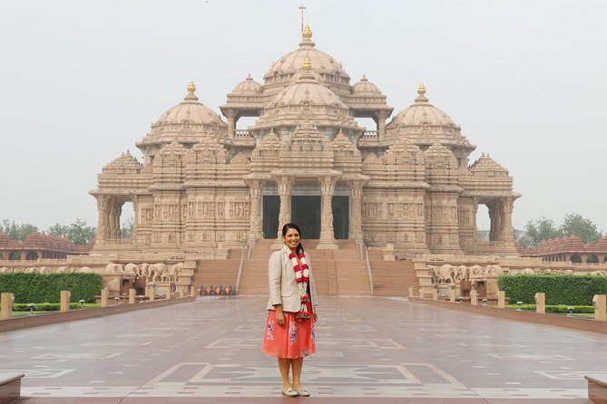 Spiritual Delhi Temples : Full-Day Private Guided Tour