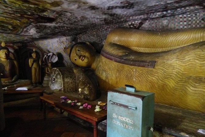 All inclusive Private day trip Sigiriya and Dambulla caves with more