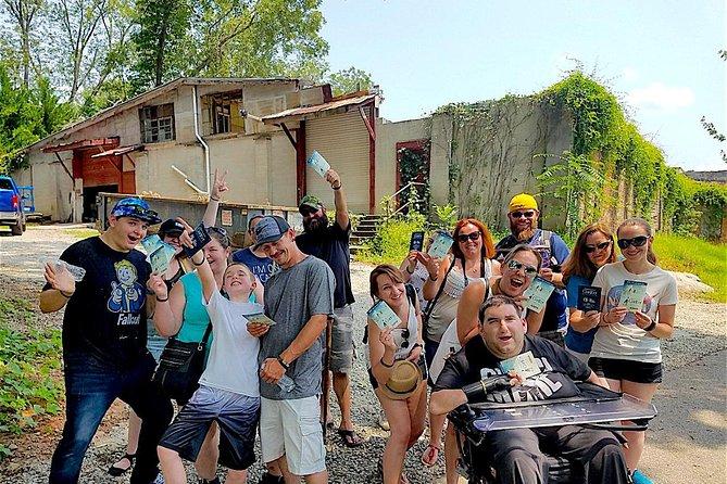 Big Zombie Walking Dead Tour in Senoia