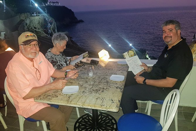 Half-Day Dinner and Cliff Divers Show of La Quebrada in Acapulco photo 2