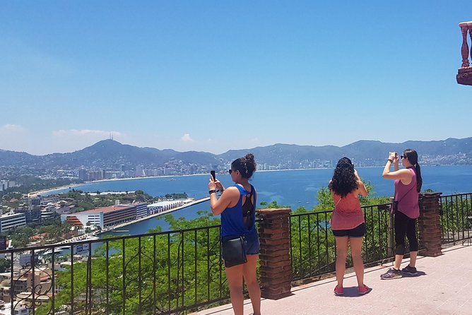 Private Guided Tour of Everyday Acapulco