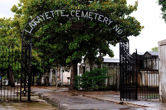 Lafayette Cemetery No. 1 Walking Tour