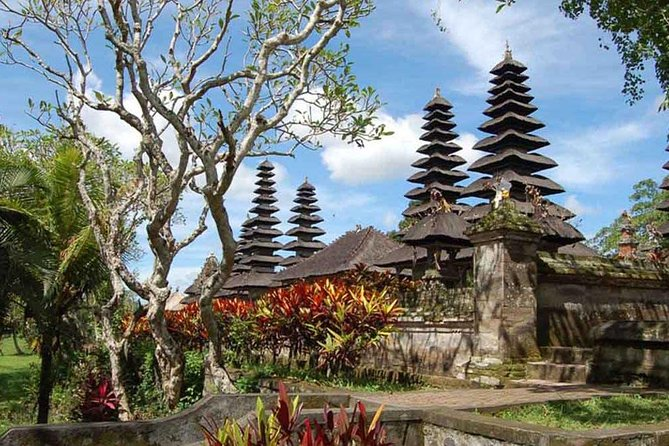 Taman Ayun and Tanah Lot Temple Tour