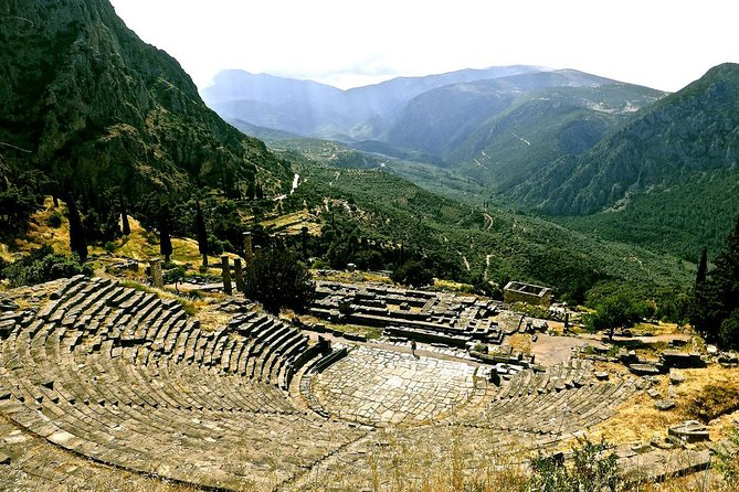 Private Tour to Delphi with Olive Oil Workshop