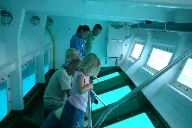 Fuerteventura, Lanzarote, and Los Lobos Glass Bottom Catamaran Cruise with Lunch, Fuerteventura, ESPAÑA