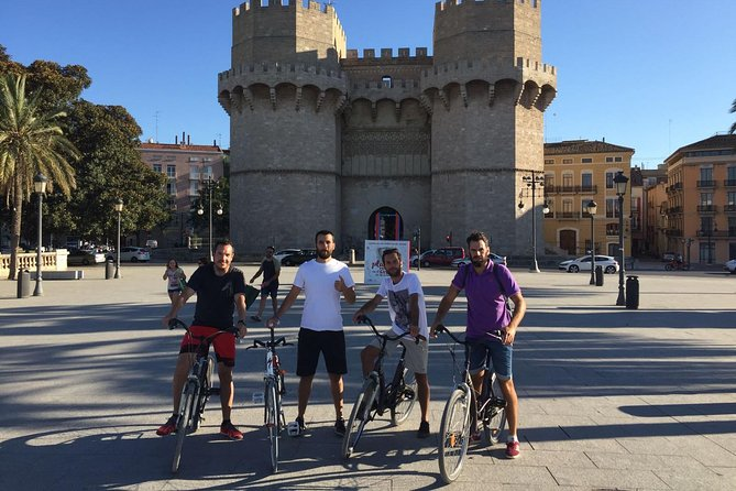 The three colors of Valencia by bike