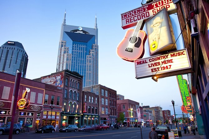 Nashville VIP Style Tour with A Local Singer Songwriter