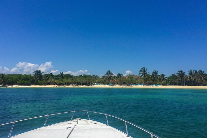55ft Private Yacht to Rosario Islands & Barú
