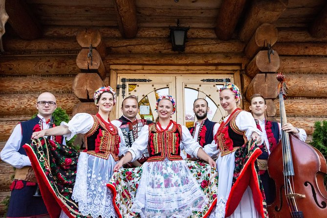 Cottage Style Evening with Folk Show and Traditional Feast from Krakow