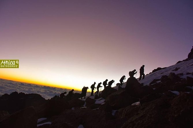 Mount Kenya Sirimon-Sirimon Route(4 Days)
