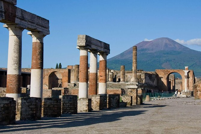 A day to Pompeii & Sorrento from Rome