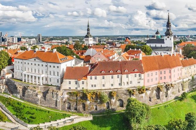Tallinn Sightseeing Tour by Coach and Foot photo 4