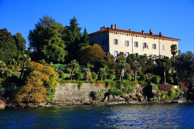 The three gems of lake Maggiore - the Borromean Islands on a private guided tour
