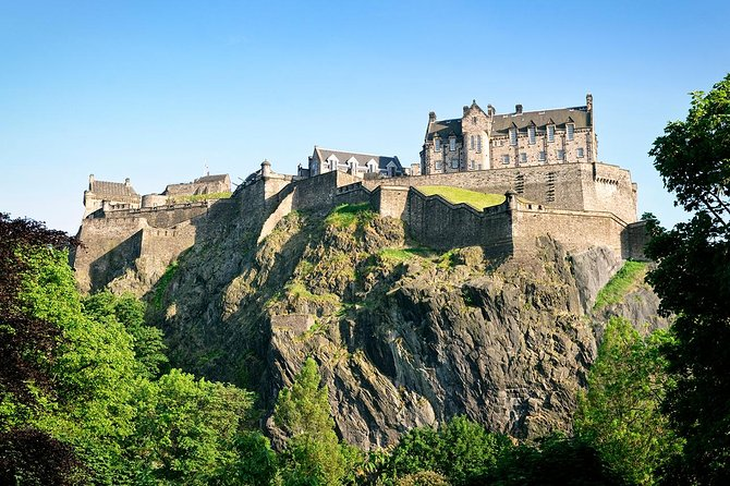 7-Day Tour Exploring Best of England and Scotland starting from Paris