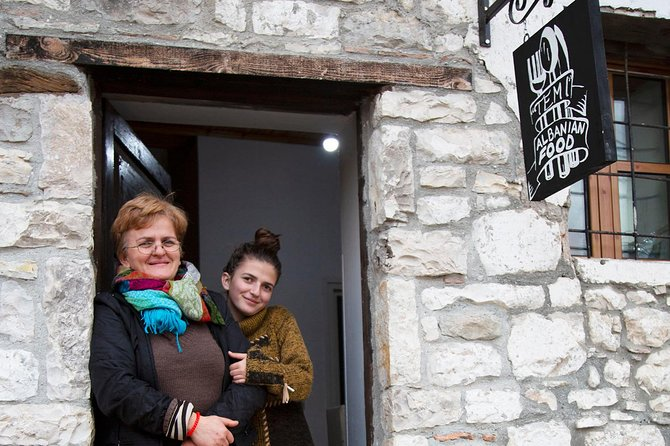 City&Food Tour of Berat in One Day- Lunch in a local family/By Berat City Tours