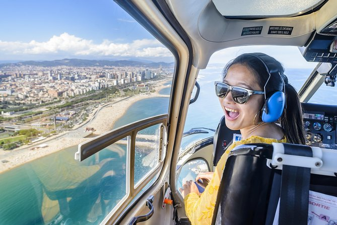 Helicopter Flight, Walking Tour and Boat Cruise Barcelona Premium Small Group