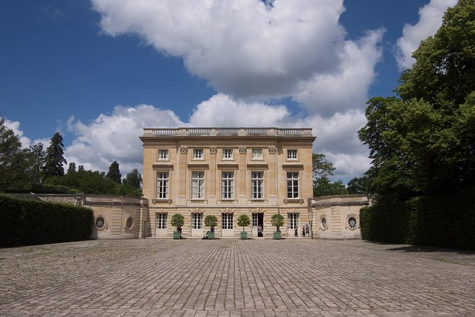 Versailles Marie Antoinette Afternoon Guided Tour with Petit Trianon & Hamlet