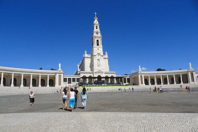 Fátima, Nazaré and Óbidos Small Group Tour