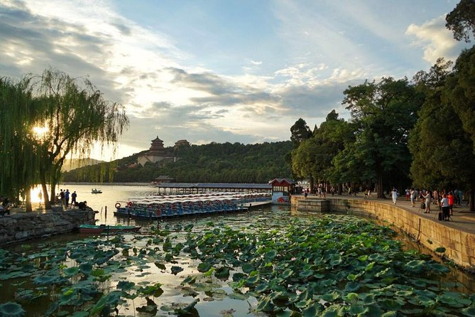 Private Day Tour Of Beijing Lama temple,Jingshan park And Summer Palace
