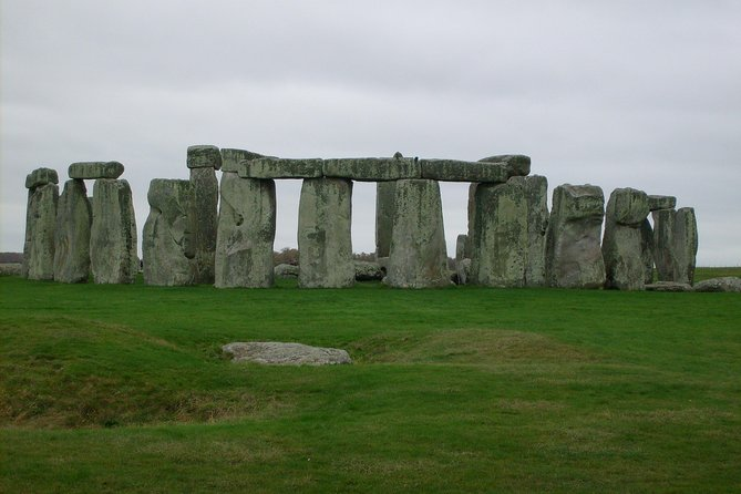 Private Tour of Stonehenge and Salisbury Cathedral