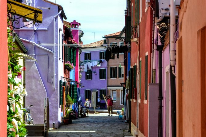 Murano & Burano Islands Half Day Guided Tour by Private Boat photo 4