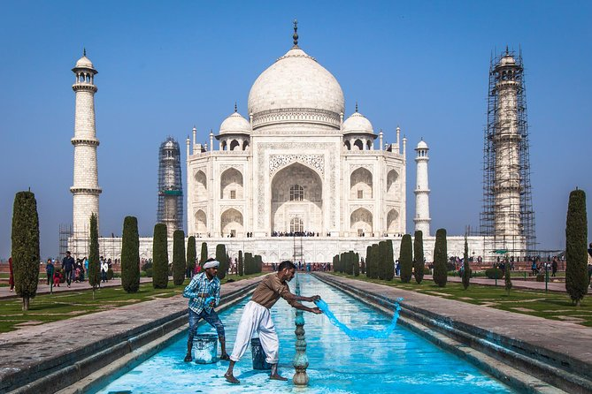 Private Agra Tour From Delhi By Luxury Car - Travel In Business
