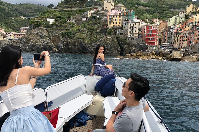 Private Sunset Boat Tour Along the Cinque Terre
