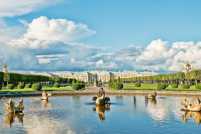 Peterhof Palace and Fountains by Hydrofoil with Private Guide