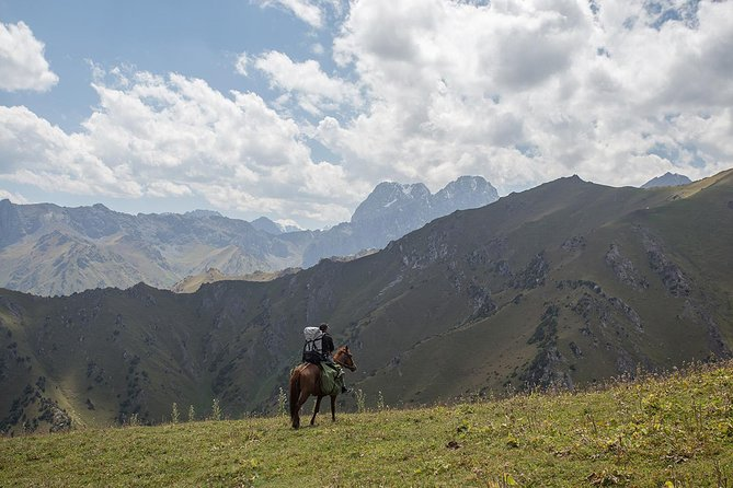 Horse riding in Kyrgyzstan, Truly Nomadic Land photo 1
