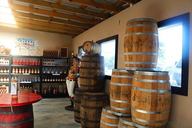 Roatan Sightseeing to the Chocolate, Cameo, Cigars & Rum Factories photo 7
