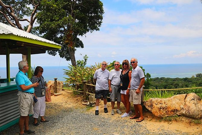 Roatan Sightseeing to the Chocolate, Cameo, Cigars & Rum Factories photo 1