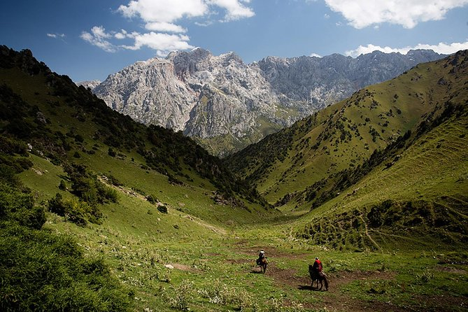 Horse riding in Kyrgyzstan, Truly Nomadic Land photo 4