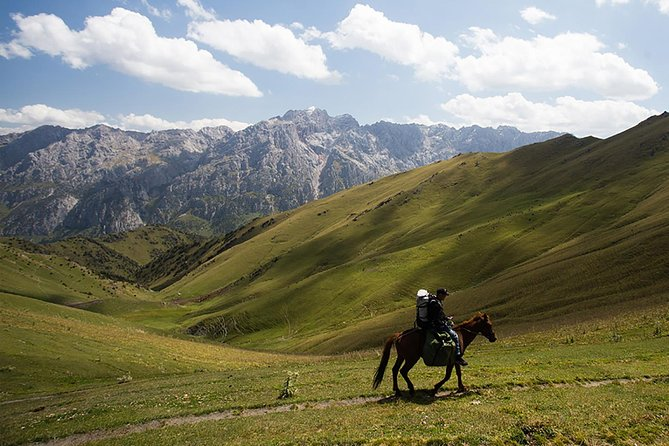 Horse riding in Kyrgyzstan, Truly Nomadic Land photo 7