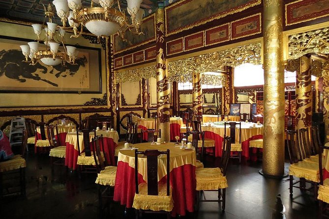 Private Beijing Jingshan Hill, Beihai, and Hutongs with Imperial Lunch/Dinner photo 10