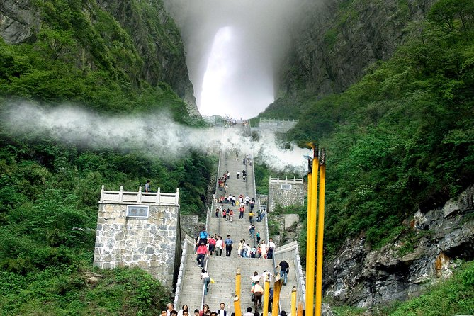 Private Day Tour of Tianmen Mountain with Skywalk