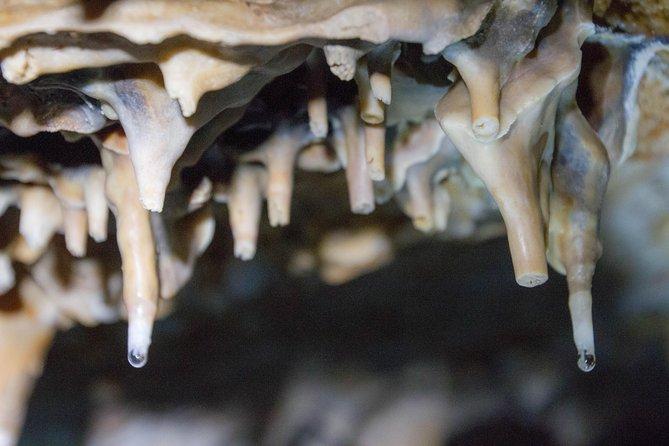 Visita guiada de 4 horas a la cueva de Knadel