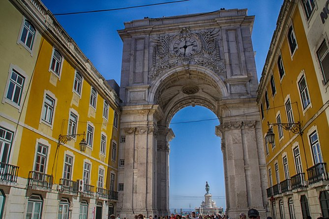 Full Day Private Walking Tour Through History and Legends of Lisbon with Lunch