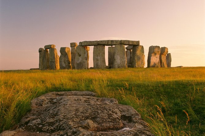 Southampton Excursion: Pre-Cruise Tour from London to Southampton via Stonehenge