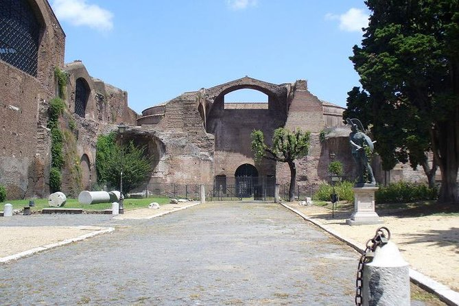 Private Group Tour - Skip the line: ONCE UPON A TIME THE ROMANS