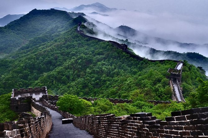 HOT !!! Mutianyu Great Wall Layover Tour with English Driver