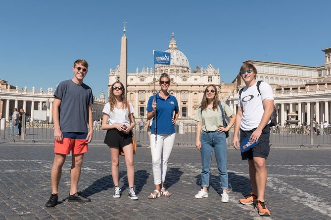 Skip the Line Vatican Museums Walking Tour with French-Speaking Guide: Sistine Chapel and St Peters Basilica