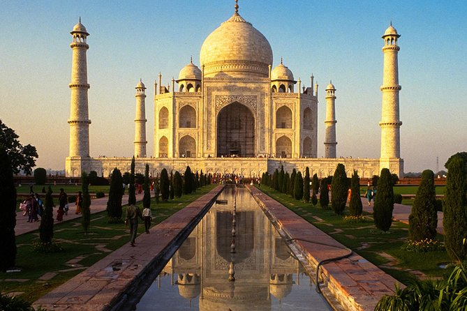 Taj Mahal Private Day Tour from Delhi with One Way Airport Transfer