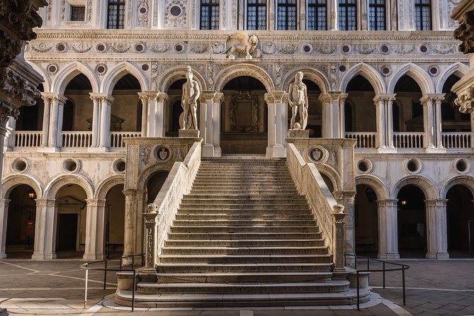 Piazza San Marco: Doge's Palace & Basilica guided tour photo 10