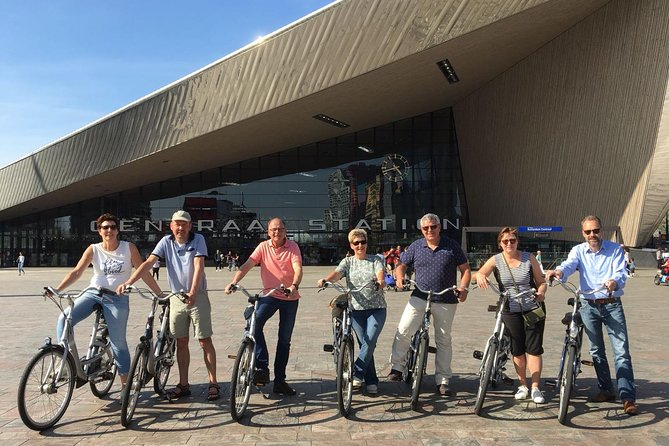 Private Highlight Bike Tour of Rotterdam